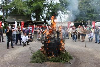 所澤神明社の人形供養祭